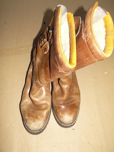 Jan 22,  · We sell shoes, and over the holiday we had several buyers return items that they had clearly walked around in outside and dirtied/scuffed to the point of being completely damaged. The items weren't returned due to any sort of defect, but because the buyer didn't like the look, or they just didn't fit.