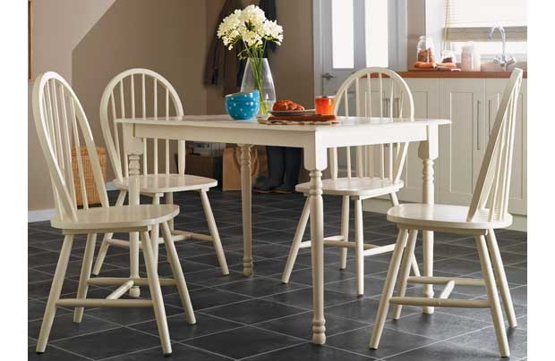 Loire Dining Table And 4 Cream Chairs Zenia Oak 150cm Round